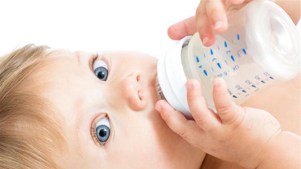 Modermælkserstatning – Stor test af alle mærker