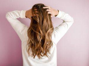 behandling med hårolie